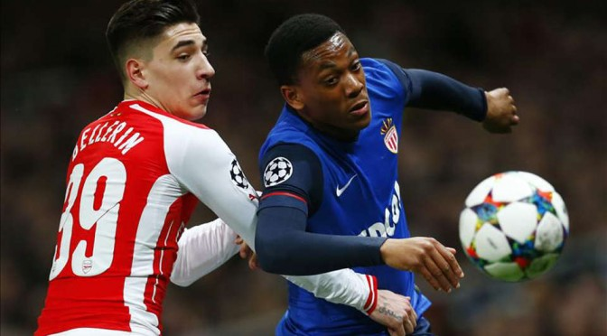 New Manchester United signing takes on Hector Bellerin in the Champions League