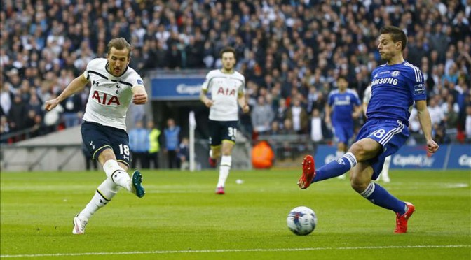 Spurs striker Harry Kane shoots against Chelsea in the Capital One Cup Final